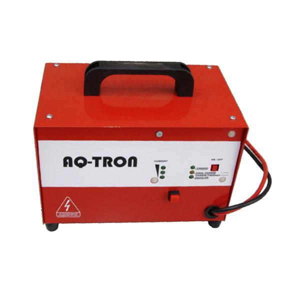 Carregador de baterias LADAQ12M15